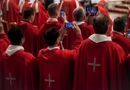 we-asked-millennial-priests-how-theyre-courting-the-least-religious-generation-body-image-1464126113-size_1000