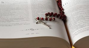 the-rosary-1766388_640-640x360