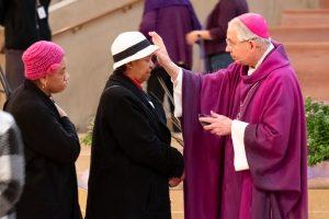 Christians observe Ash Wednesday to mark start of Lent